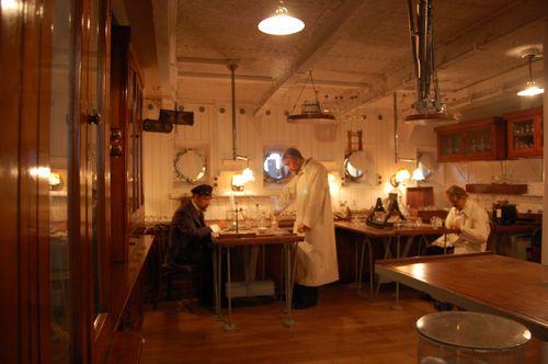 ricostruzione laboratorio di bordo