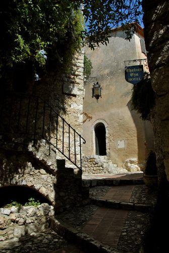château eza