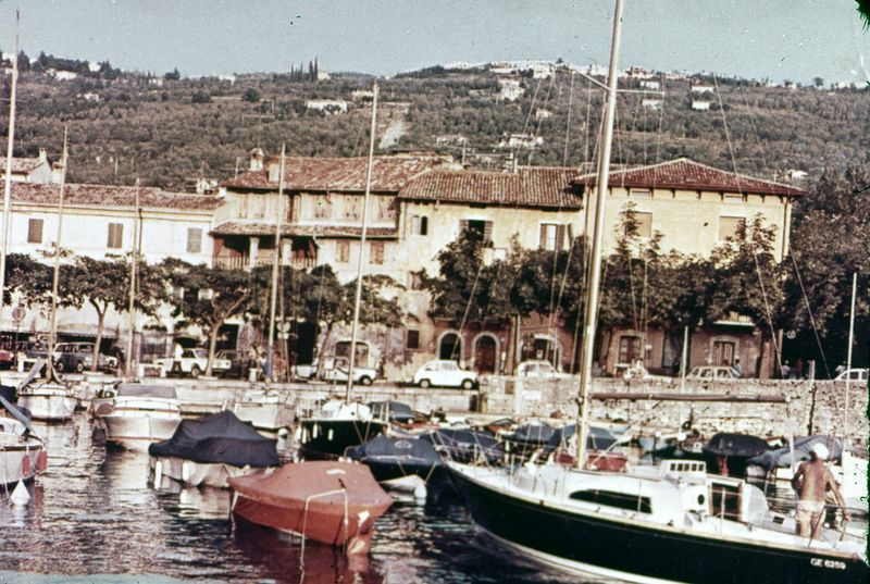 image from torri del benaco - porto