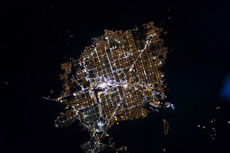1280px-Las_Vegas_at_Night